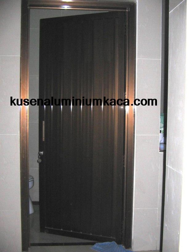 Kusen Aluminium YKK Pintu Kamar Mandi